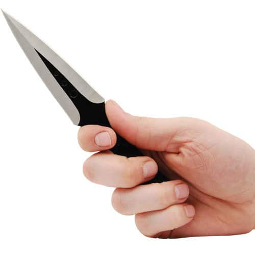 black 2 piece throwing knife in hand
